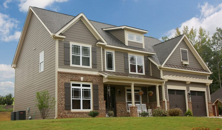 Primed Siding vs. Hardie ColorPlus Technology: Which is Best?